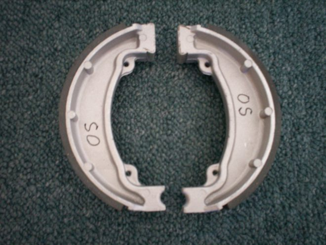 Brake shoe set Rear O/S.